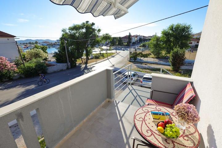Sunny studio & sea view Terrace