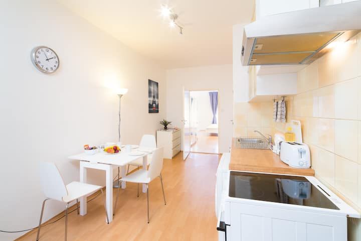 Nice Apartment in the City Centre!!!!
