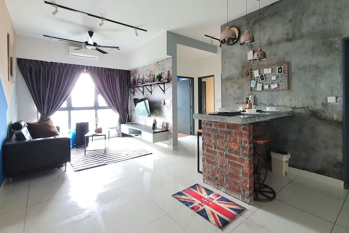 DERUSTIC Home in the Heart of Bukit Jalil