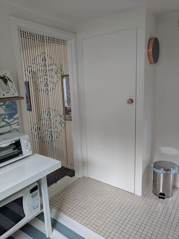 Kitchenette Pantry and entrance to Lounge & Dining Area.
