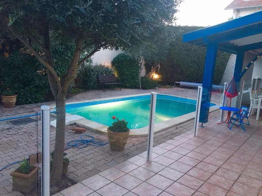 Protection barriere piscine pour enfant installee en Avril 2017! Pool protection for children installed!