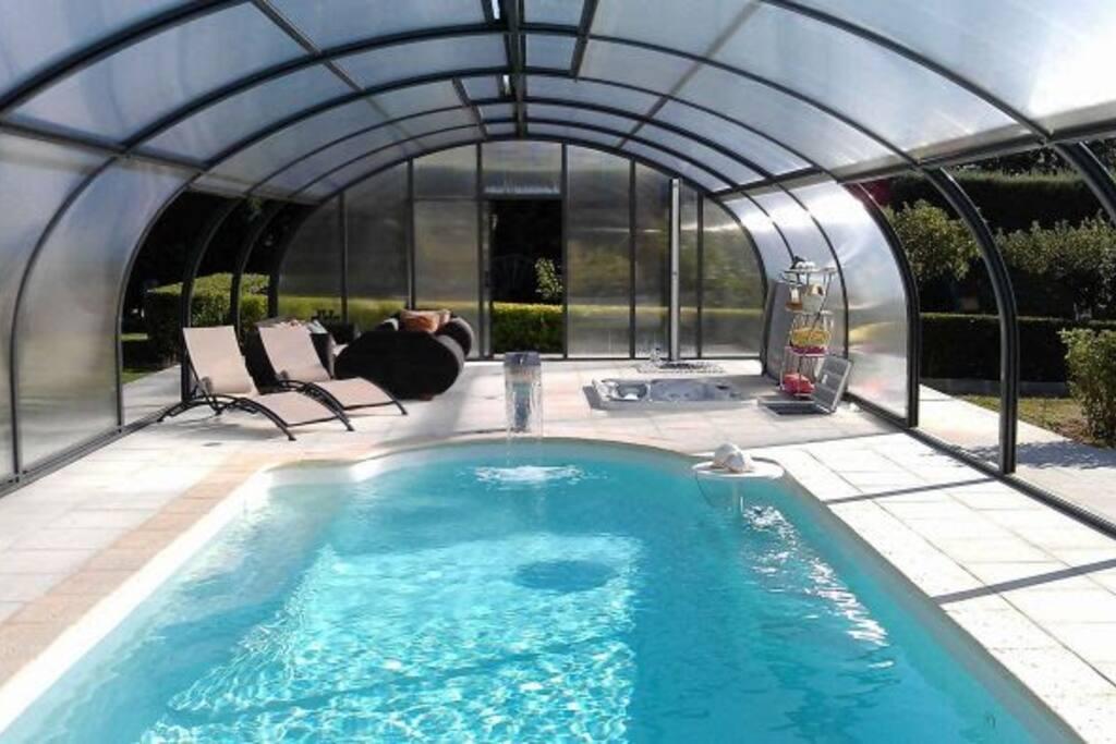 Villa con piscina jacuzzi y 2 chimeneas en vila casas - Piscina con jacuzzi ...