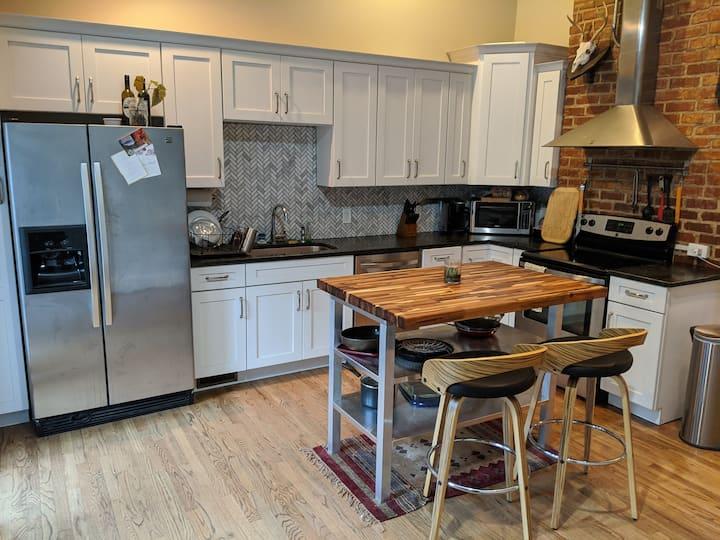 Comfortable Clean Convenient St. Elmo Home