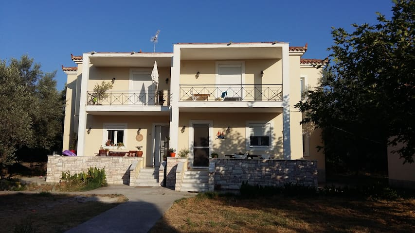 Lovely maisonette in Anaxos - Mitilini - House