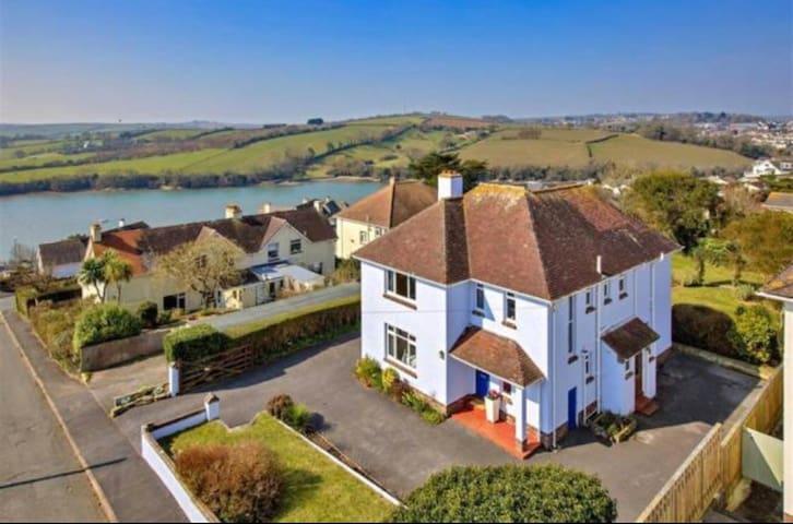 Family home in picturesque Kingsbridge, Devon