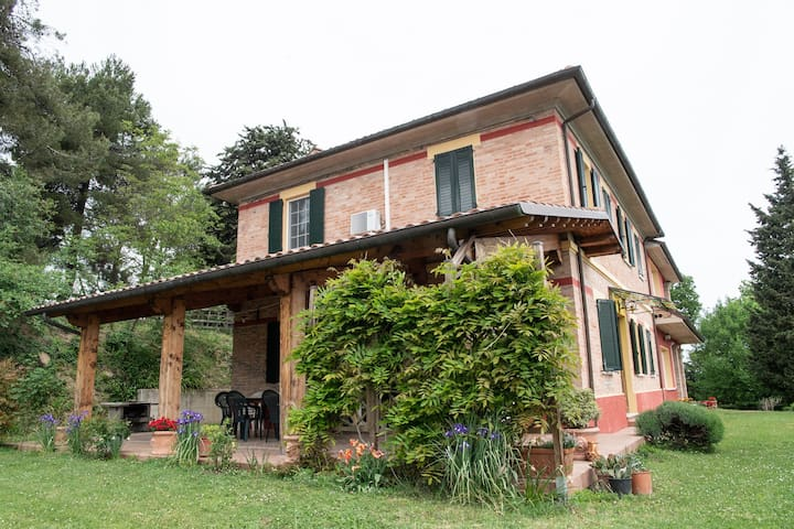 Camelia APARTMENT IN COUNTRYSIDE - PESARO/URBINO