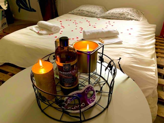 Chambre romantique avec SAUNA et JACCUZI privatif
