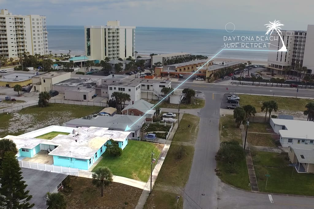 Studio is across from beach! Fully renovated!