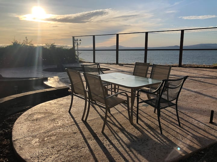 Spacious Home, Spectacular Bay View From Patio!