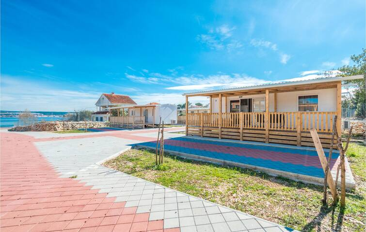 Mobil home with 2 bedrooms on 32m² in Pasman