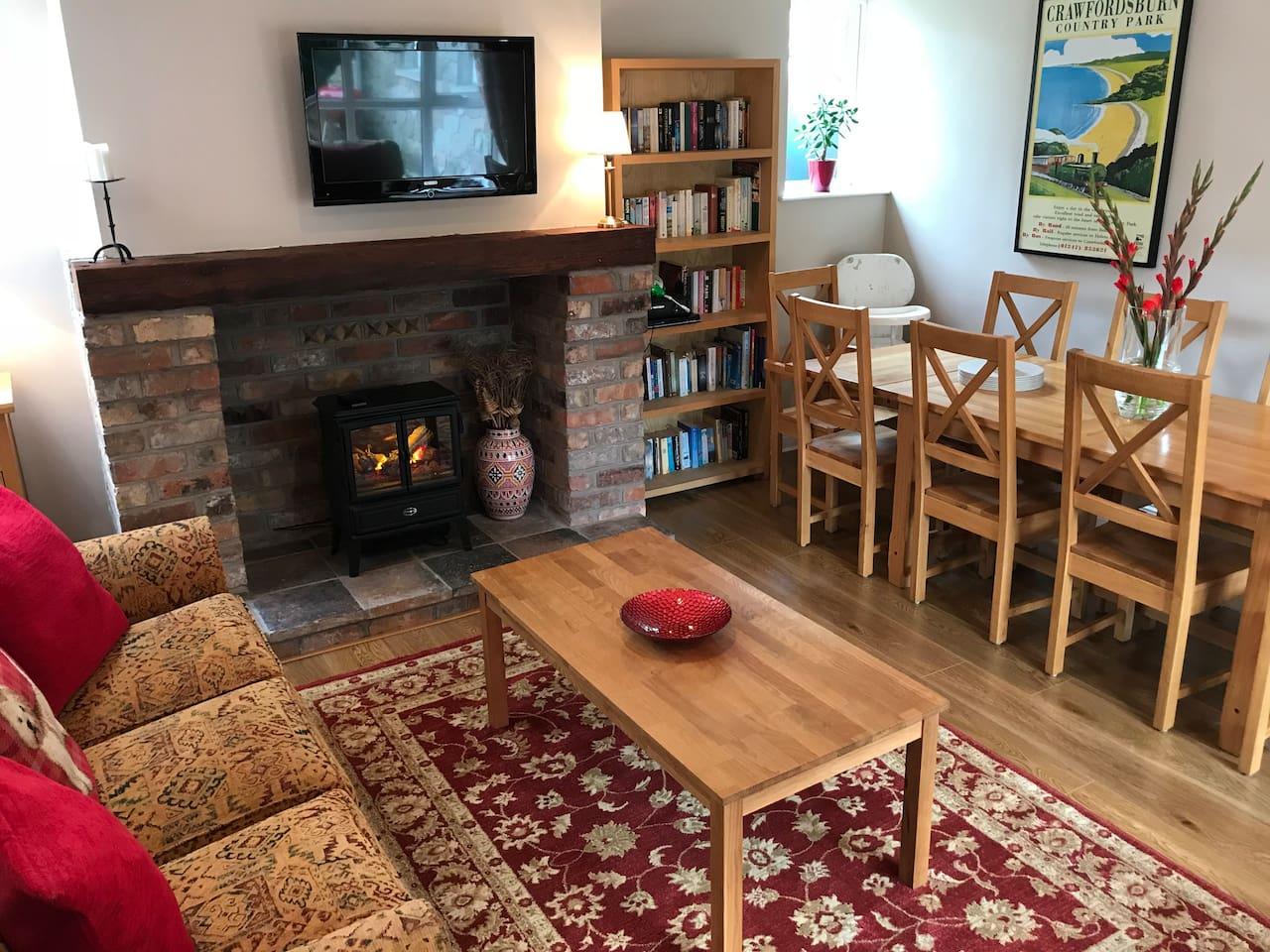 Cottage Living / Dining Room