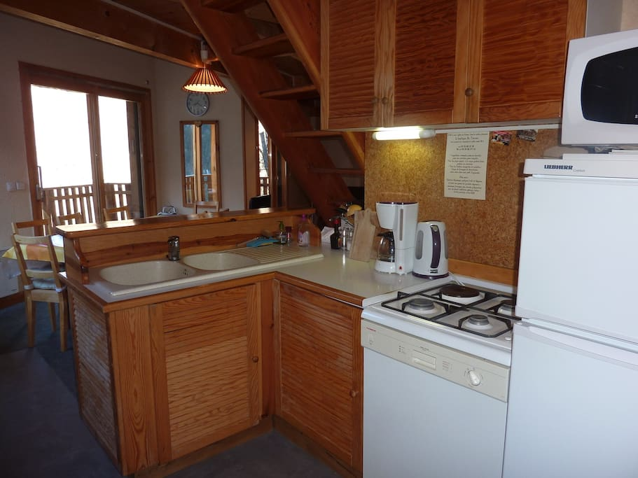 Kitchen with fridge/freezer, Microwave/grill, coffee maker, kettle, toaster, dishwasher, 3 gas,1electric hobs