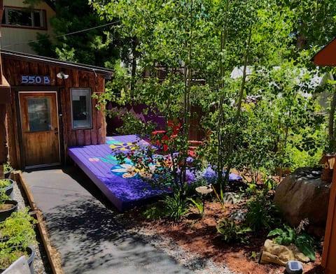 Tahoe City Adventure Hub-Tiny Home On The Hill!