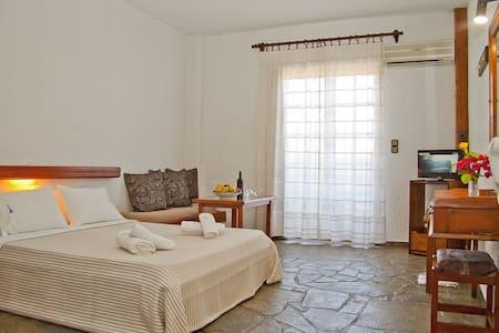 Studio with Garden view I - Agia Marina