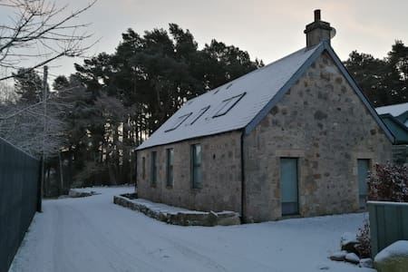 Converted Church - Carnach Cottage, Carrbridge