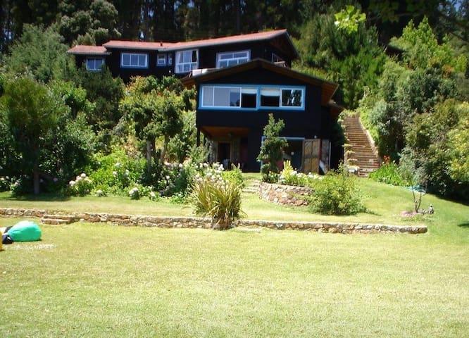 Casa Lago Vichuquen con orilla de lago, Santa Rosa