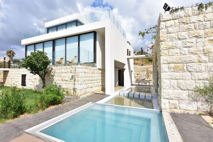 Casa de Thoum (Batroun) : AZUL Suite
