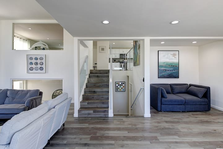 Stairs leading to Kitchen