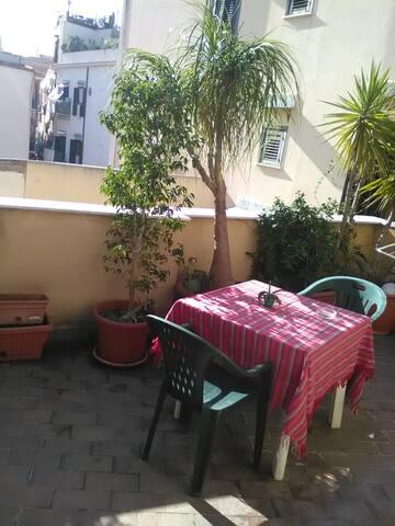 Stanza Privata in Centro con Terrazza - Palermo - Lägenhet