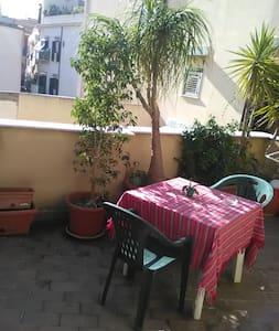 Stanza Privata in Centro con Terrazza - Palermo