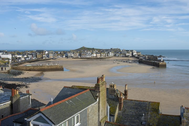 Ryb by the Sea, St Ives