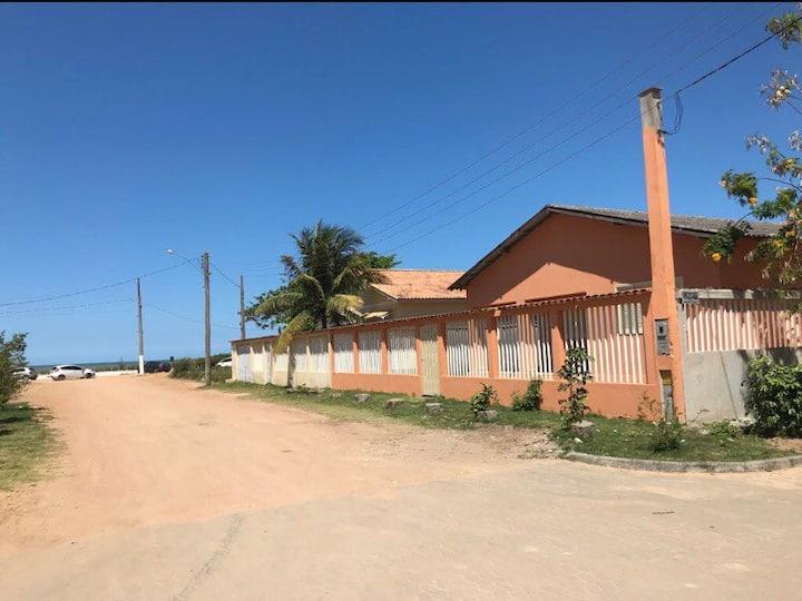 Praia de Castelhanos casa 10 pessoas 30mts da orla