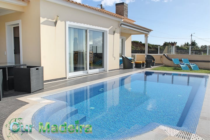 Villa, heated pool in sunny area, views of mountain and sea | Villa Dilis