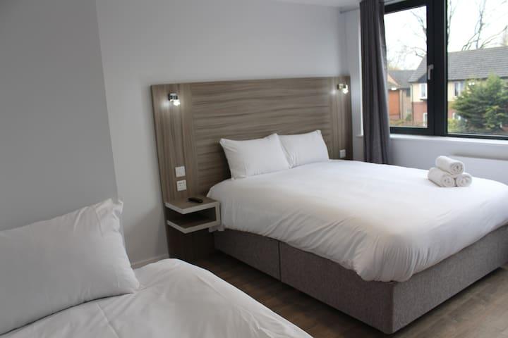 Sky Nights Hotel Heathrow,  Hillingdon