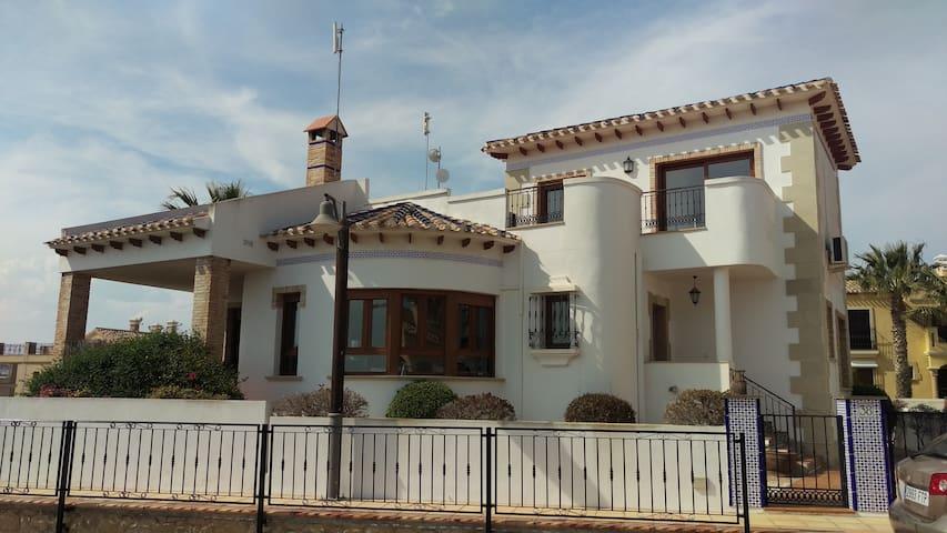 Villa Pluma Blanca La Finca Golf Resort - Algorfa - วิลล่า