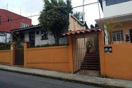 Casa hostel Centro de Coatepec. - Coatepec - Rumah