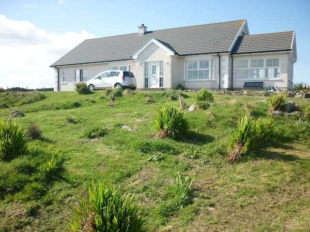 Hilltop Cottage, Ballywhoriskey, Fanad - Ballylar - House