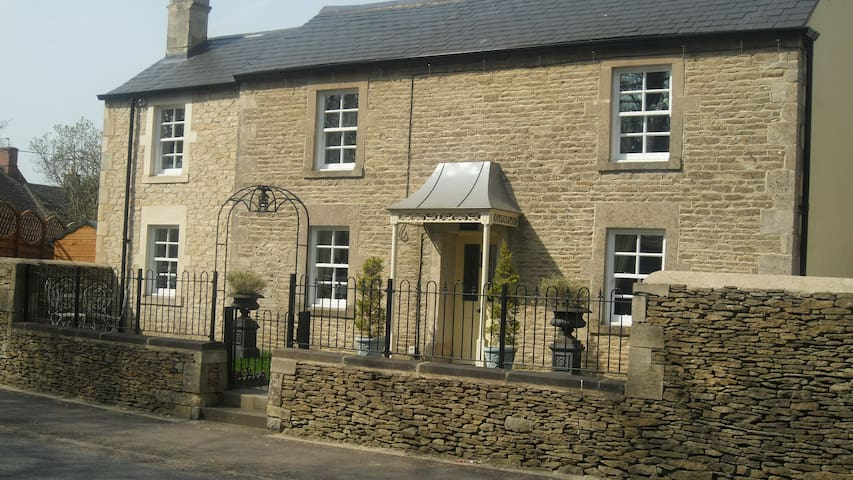 Lovely Cottage In Castle Combe - Chippenham - Huis