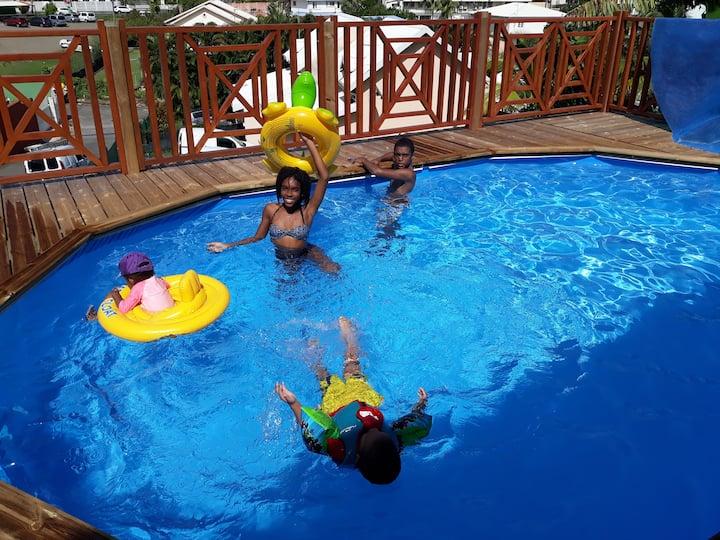 bas de villa avec piscine