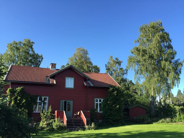 Villa with garden, dining hall and 15 beds in Oslo