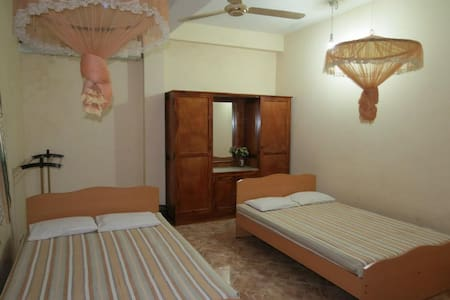 Air Conditioned Family Room - 523/10 Homestay