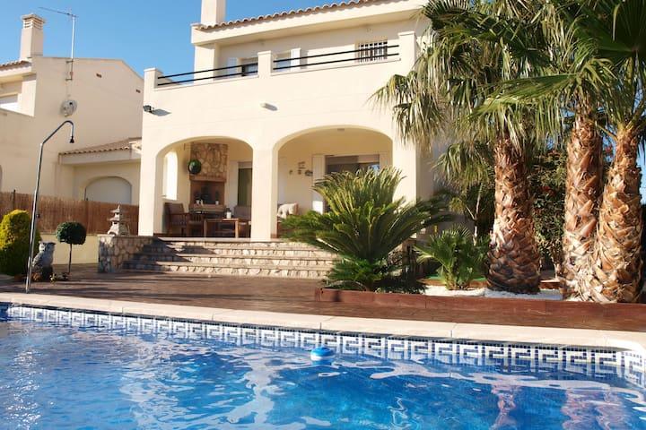 Ferienhaus in Ametlla de Mar, Spanien, 14 km bis Strand