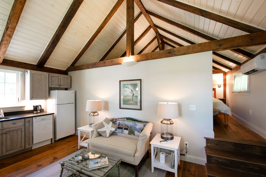 Loft Carriage Barn Apartment Off Dock Square Apartments