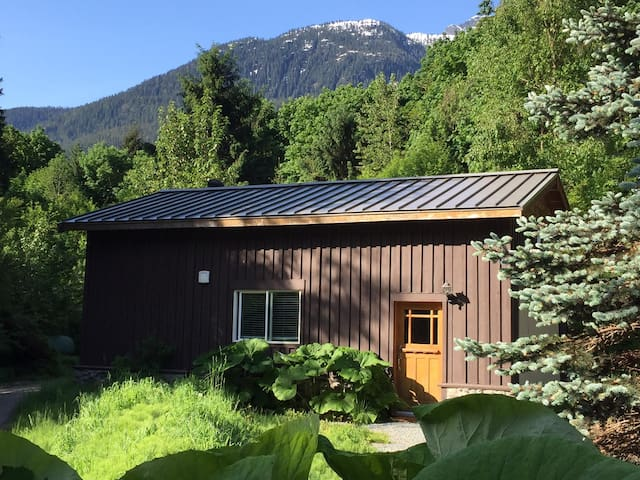 Eagle Valley Guest House