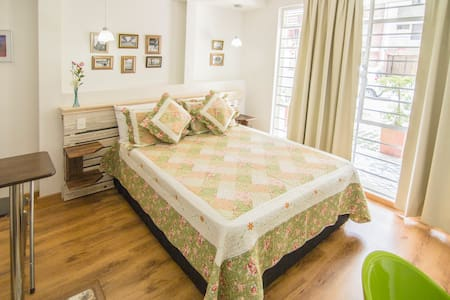 Encantador estudio para 2 (CAMELIA) - Bed & Breakfast