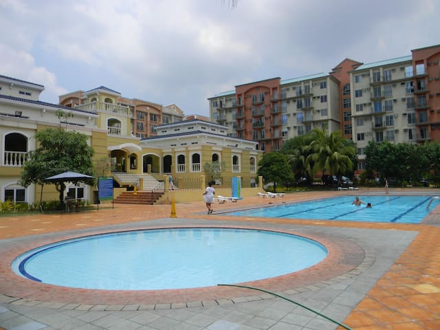 SM Chateau Elysee 1 Bedroom Apartment w/ Pool View - Manila - Huoneisto