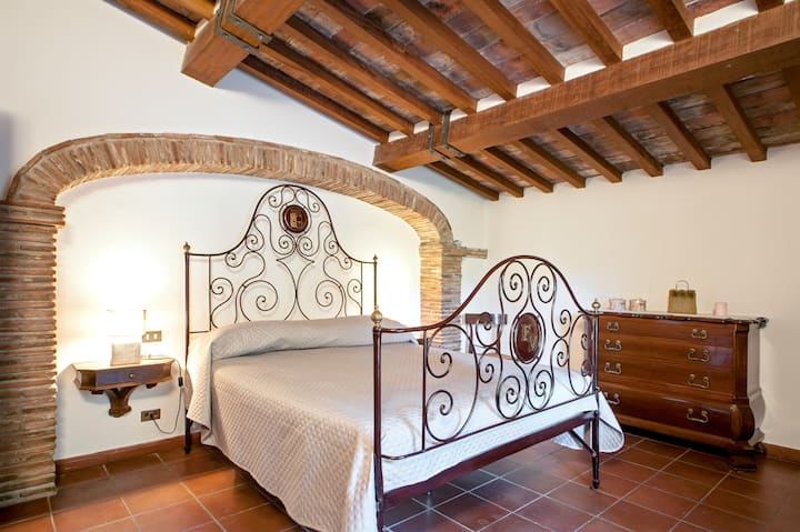 EXCLUSIVE GUESTHOUSE FOR WINE LOVERS