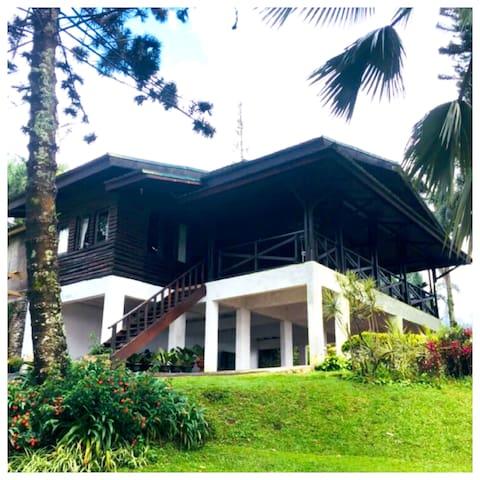 Villa Luhur Cisarua Bogor