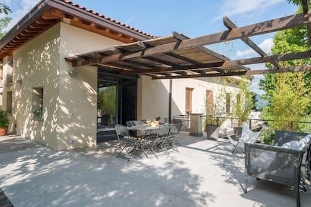 Casa degli ulivi  Corte Franca vicino lago d' Iseo