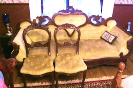 Victorian Lady Bed and Breakfast