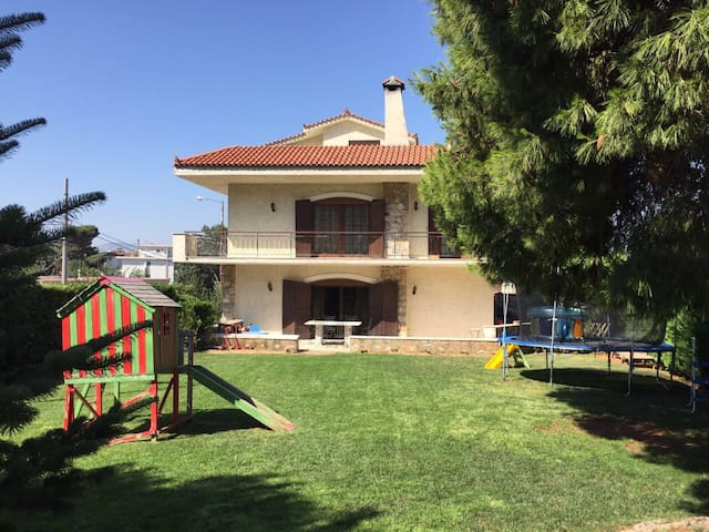 Villa in the heart of Penteli's Mountain