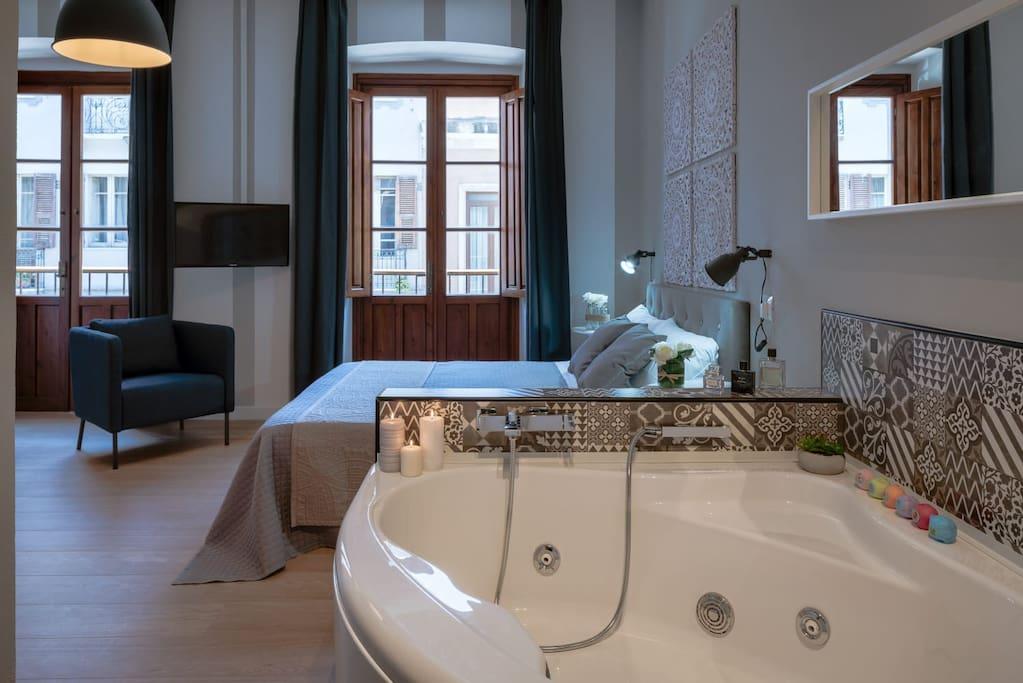 Appartamenti Luxury Con Vasca Idromassaggio Appartamenti In Affitto A Cagliari Sardegna Italia