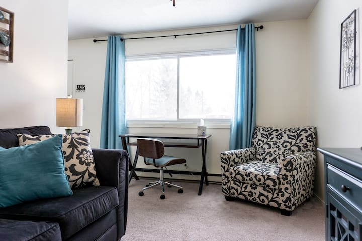 *Attractive 2BR* Amenities of home* Walk to AU*