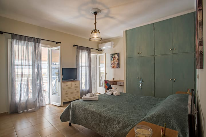Olina's apartment in Corfu town
