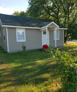 2 Bed 1 Bath Home Pryor completely remodeled 2020