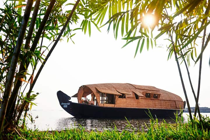 Pamba House Boat 1BR-DISINFECTED BEFORE EVERY STAY